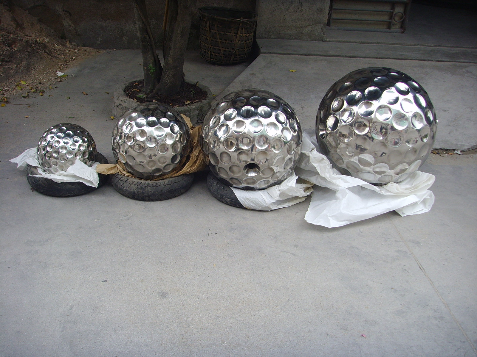 Large decorative stainless steel balls